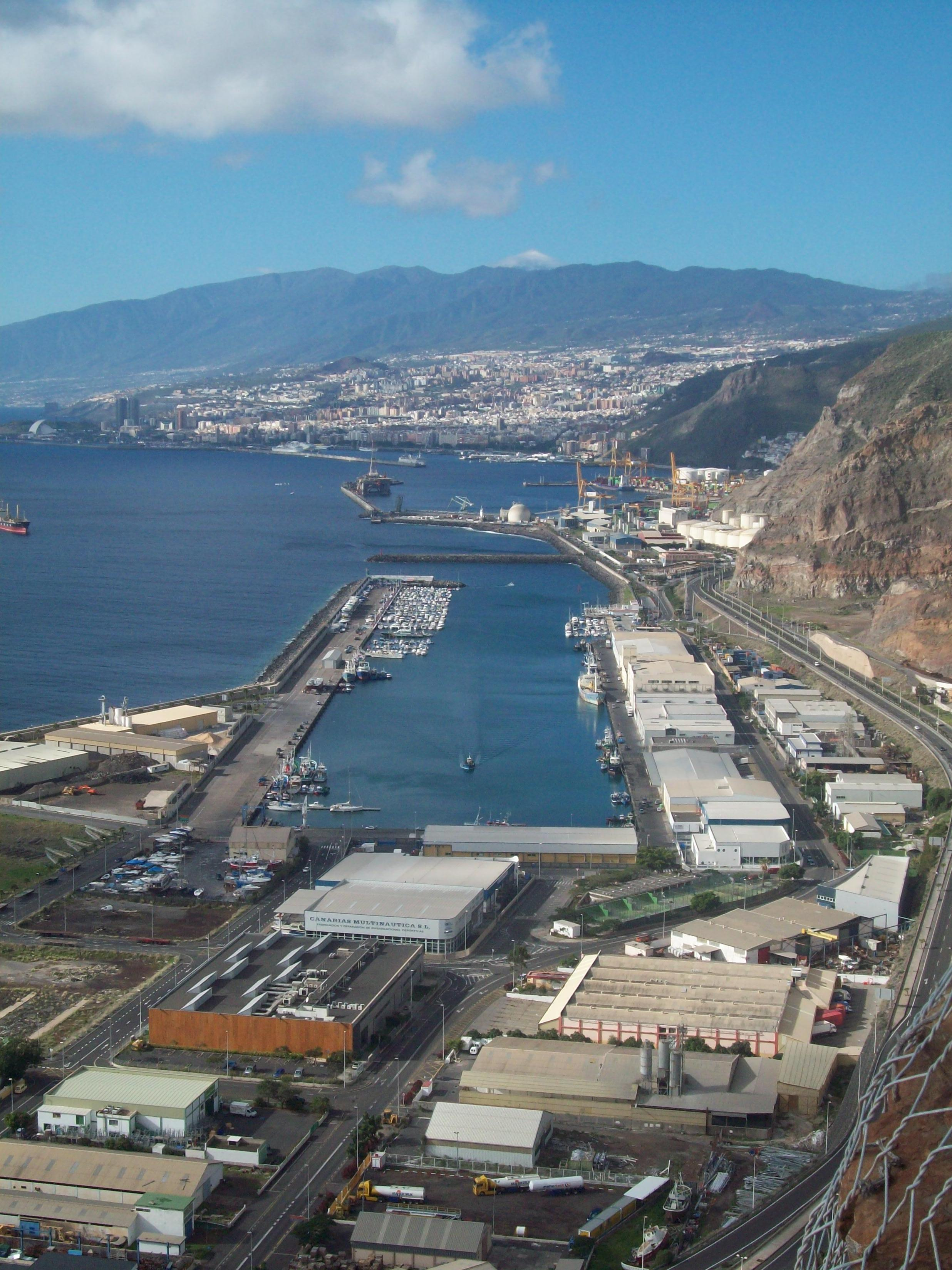 Image of the ferry terminal in Tenerife (Santa Cruz)